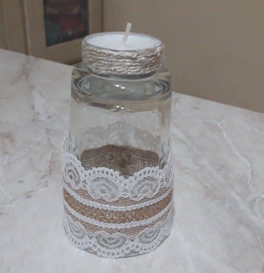 bicchiere a candela con merletto bianco