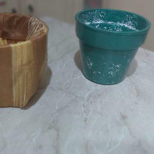coppia di vasi pitturati a mano