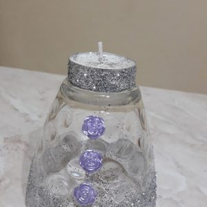 bicchiere a candela con rose color glicine